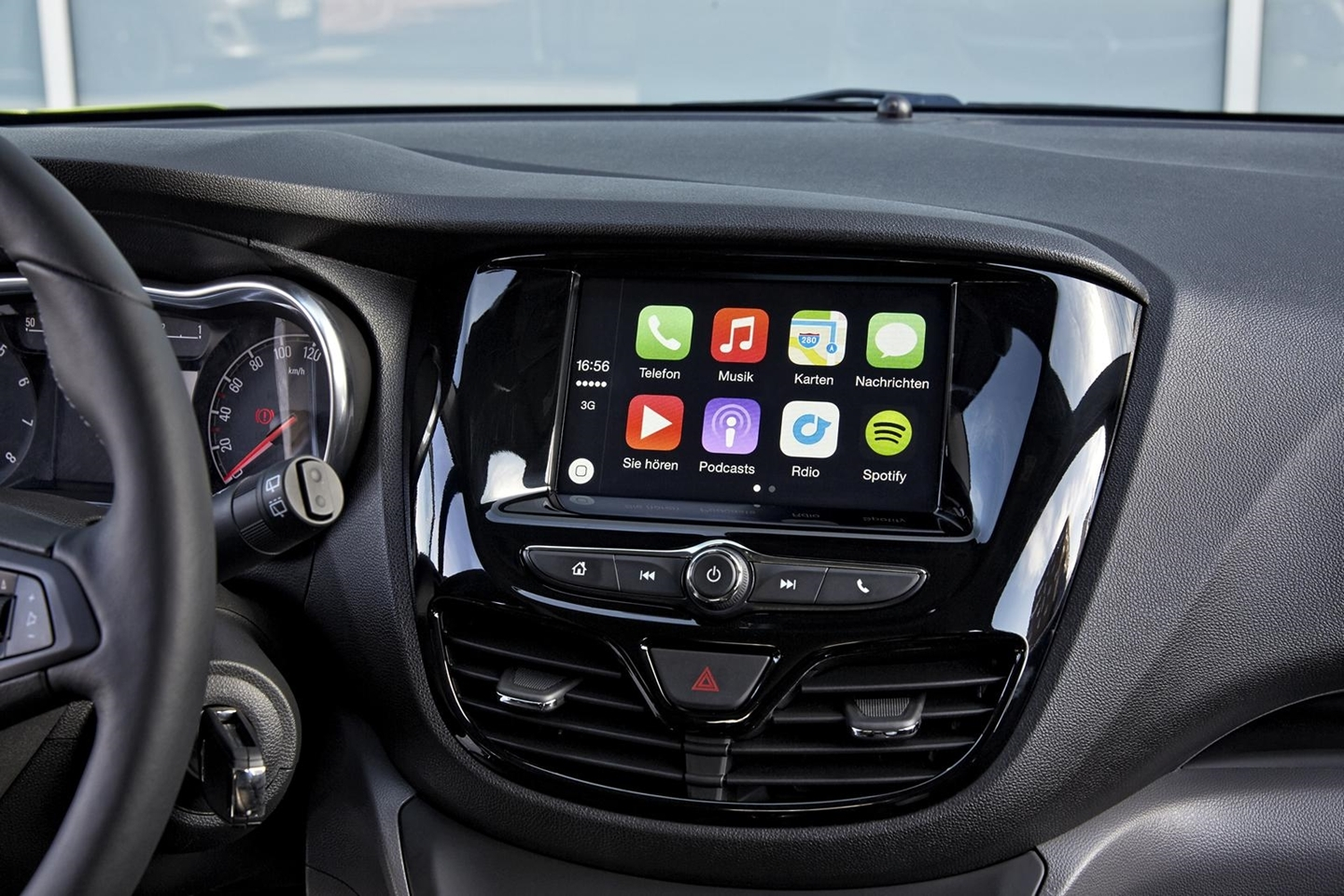ios-car-play-300515-01