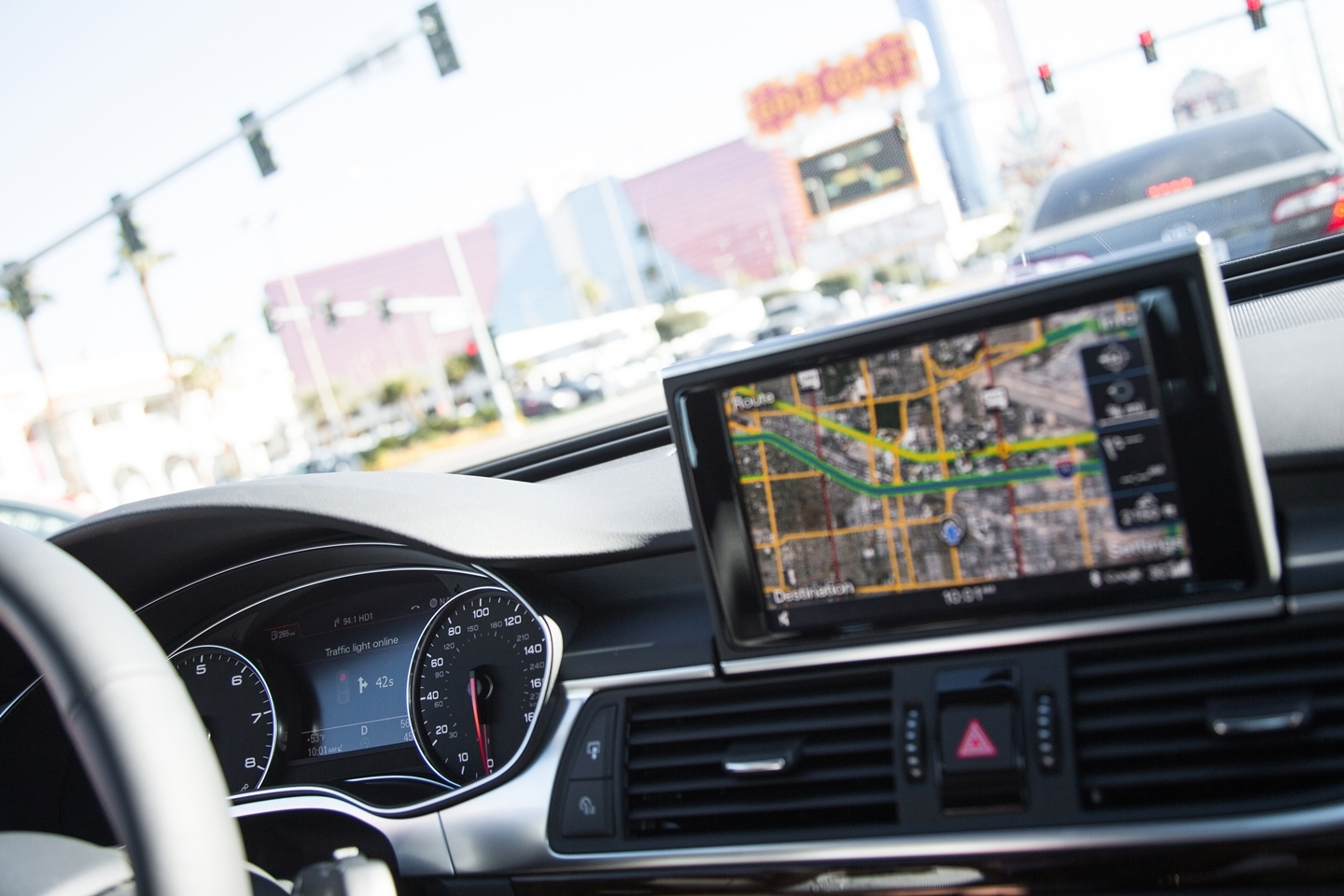 Attending to traffic lights: why this technology will change, forever,our way of driving?