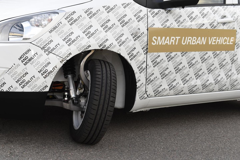 zf-urban-car-110715-03