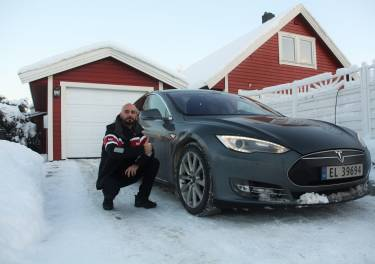 """""""Conducir un Tesla Model S es como ir en una nave espacial en un mundo de Ford Ts"""""""