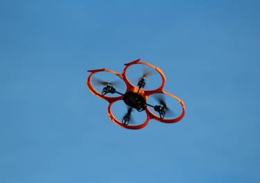 El peor enemigo de los drones ya está al acecho en el aire
