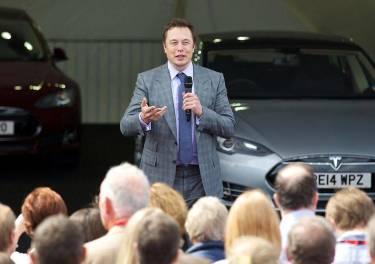 Entre tú y yo: el objetivo de Elon Musk y Tesla no es vender coches